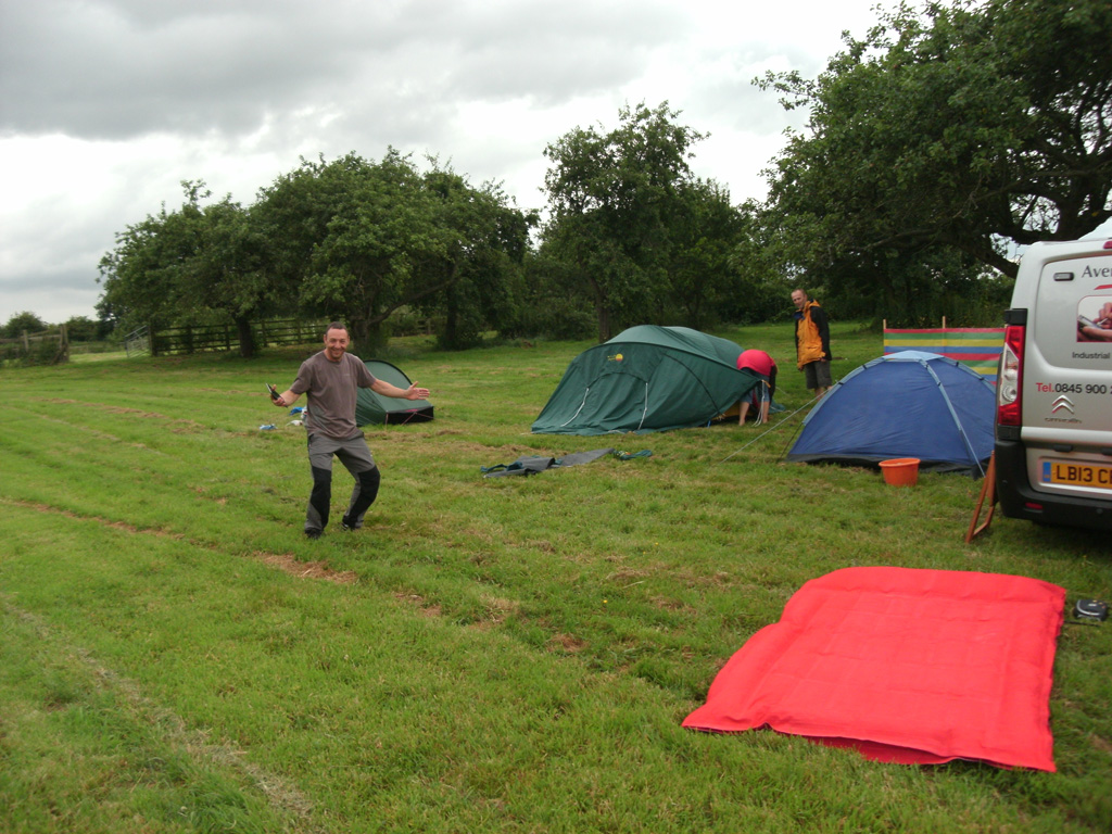Delighted to see Al, Woody, and the Fearons (note Al's massive airbed)